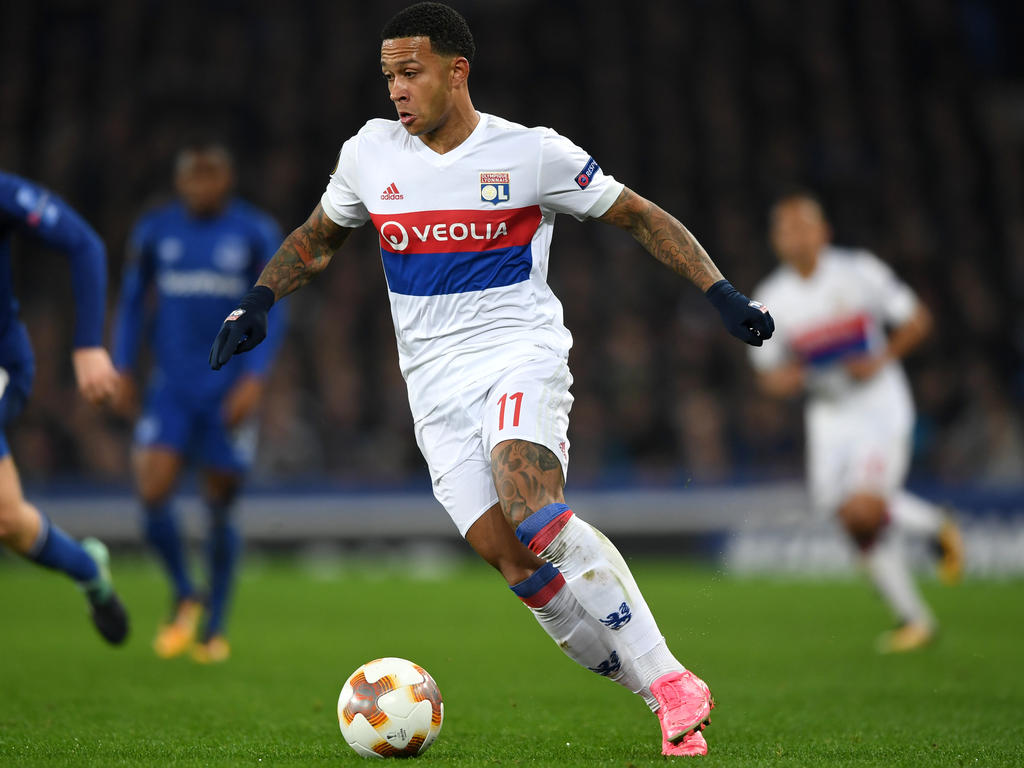 Lyon Nantes Ligue 1 Acutalités Depay Stars As Lyon Beat Nantes To Go Second