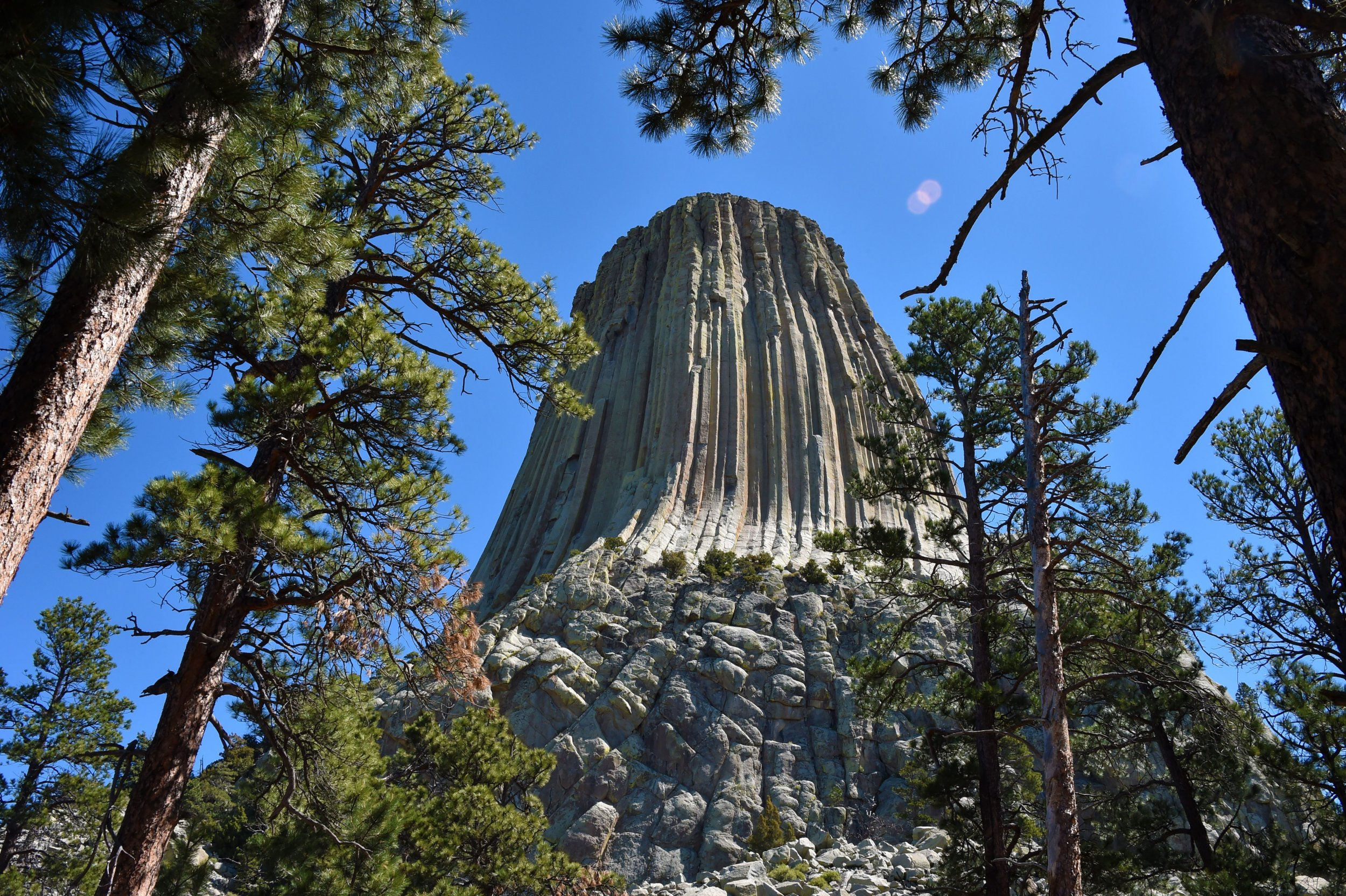 Pot Girl Wallpaper Are Aliens Real Devils Tower The Rock Formation From