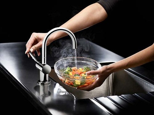 Steaming Hot Filtered Kitchen Tap Chrome Insinkerator