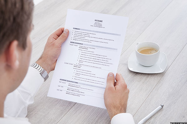 5 Ways Potential Employers Can Tell When You\u0027re Lying on Your Resume
