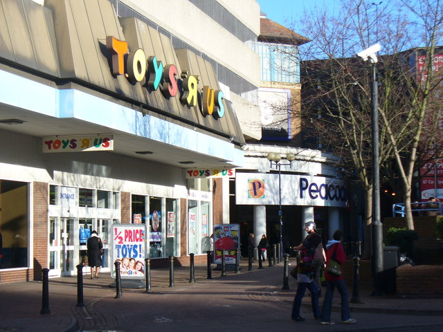 Toy R Toys Toys 39;r 39; Us Woking © Colin Smith Geograph Britain And