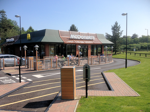 Manchester Travelodge Mcdonald's At Tot Hill Services © David Dixon Cc-by-sa/2.0