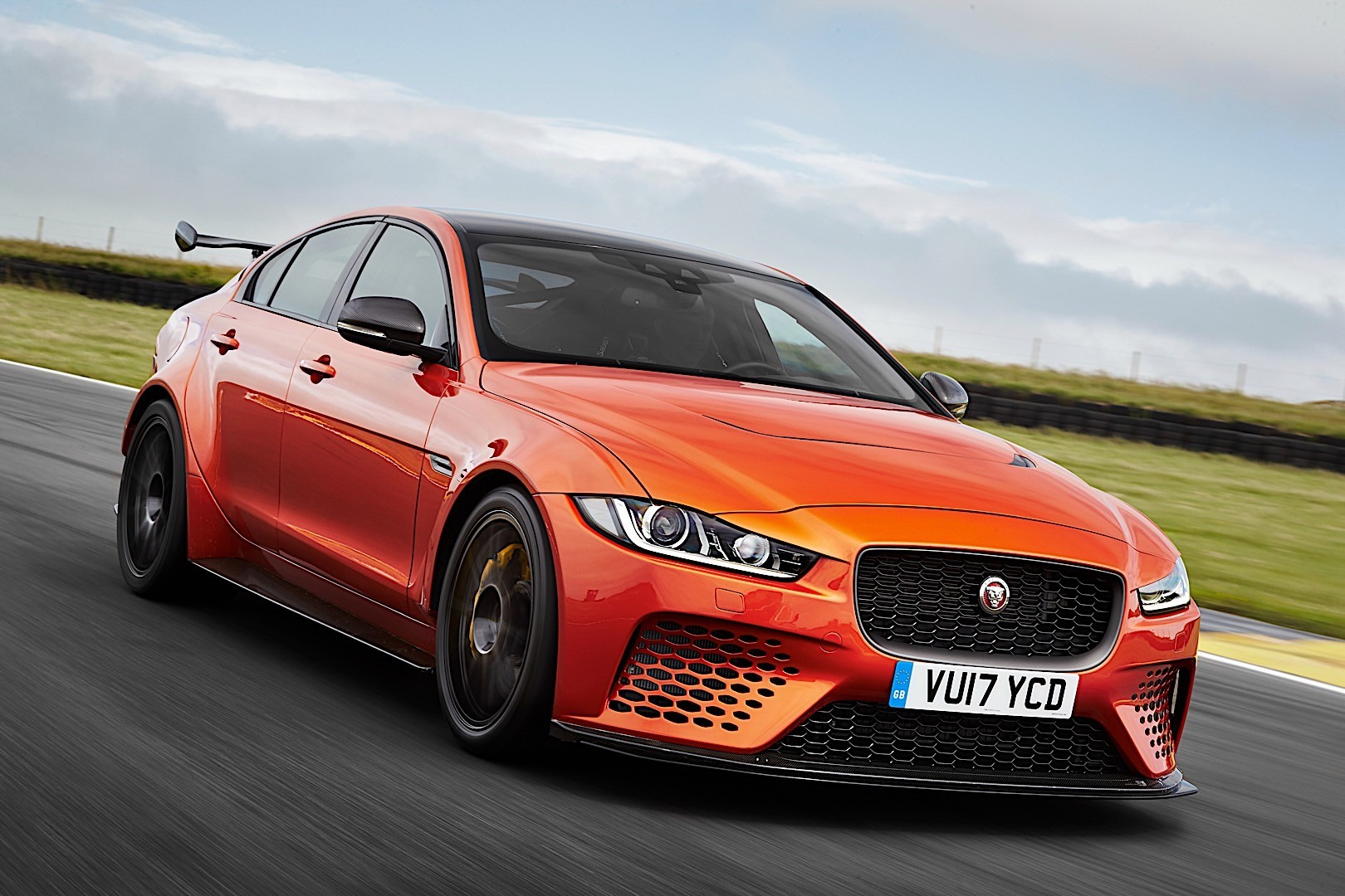 Jaguar Xe Sv Project 8 Jaguar Xe Sv Project 8 Specs And Photos 2017 2018 2019