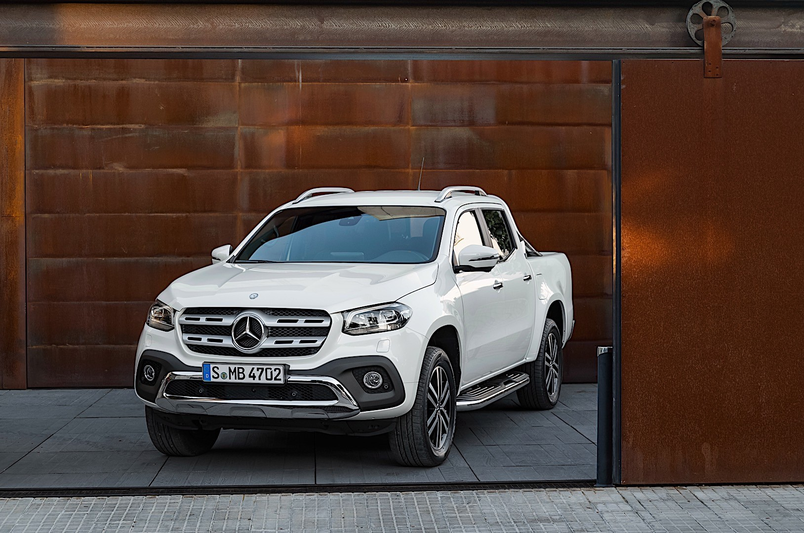Mb X? S? Mercedes Benz X Class Specs And Photos 2017 2018 2019