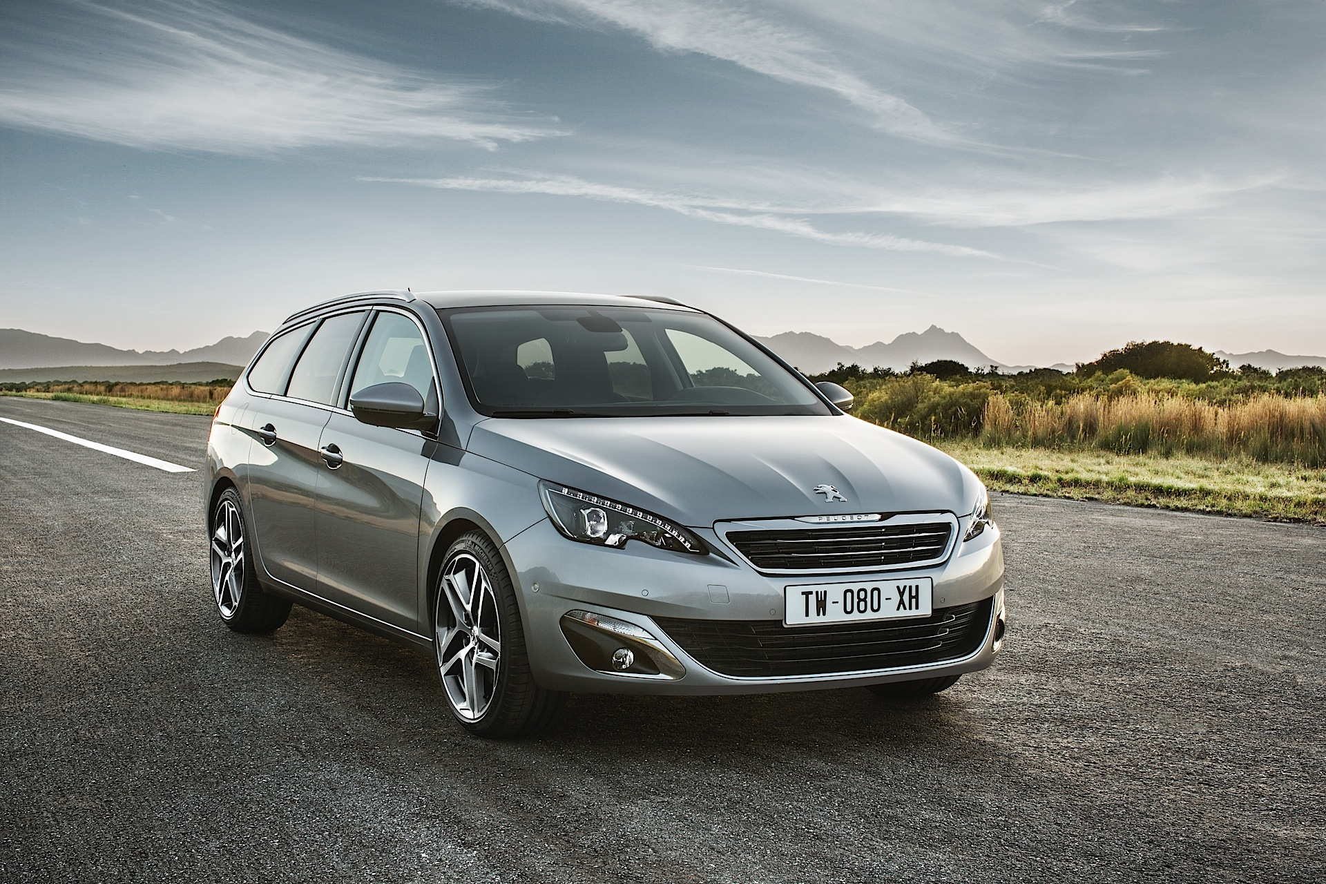 Peugeot 308 Sw Peugeot 308 Sw Specs And Photos 2014 2015 2016 2017