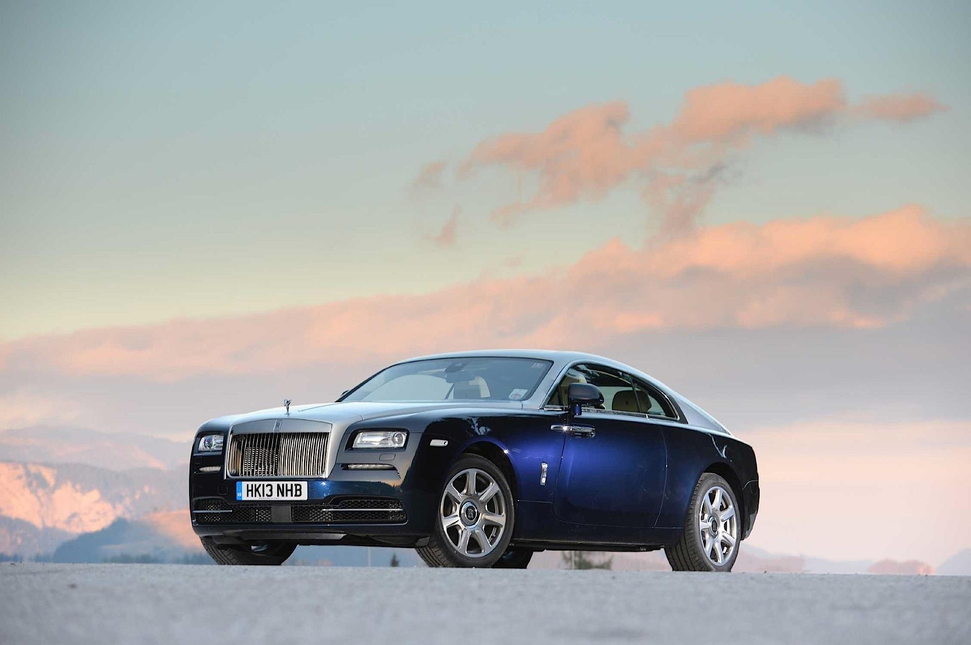 Perfect Girl Evolution Wallpaper Rolls Royce Wraith Specs 2013 2014 2015 2016 2017