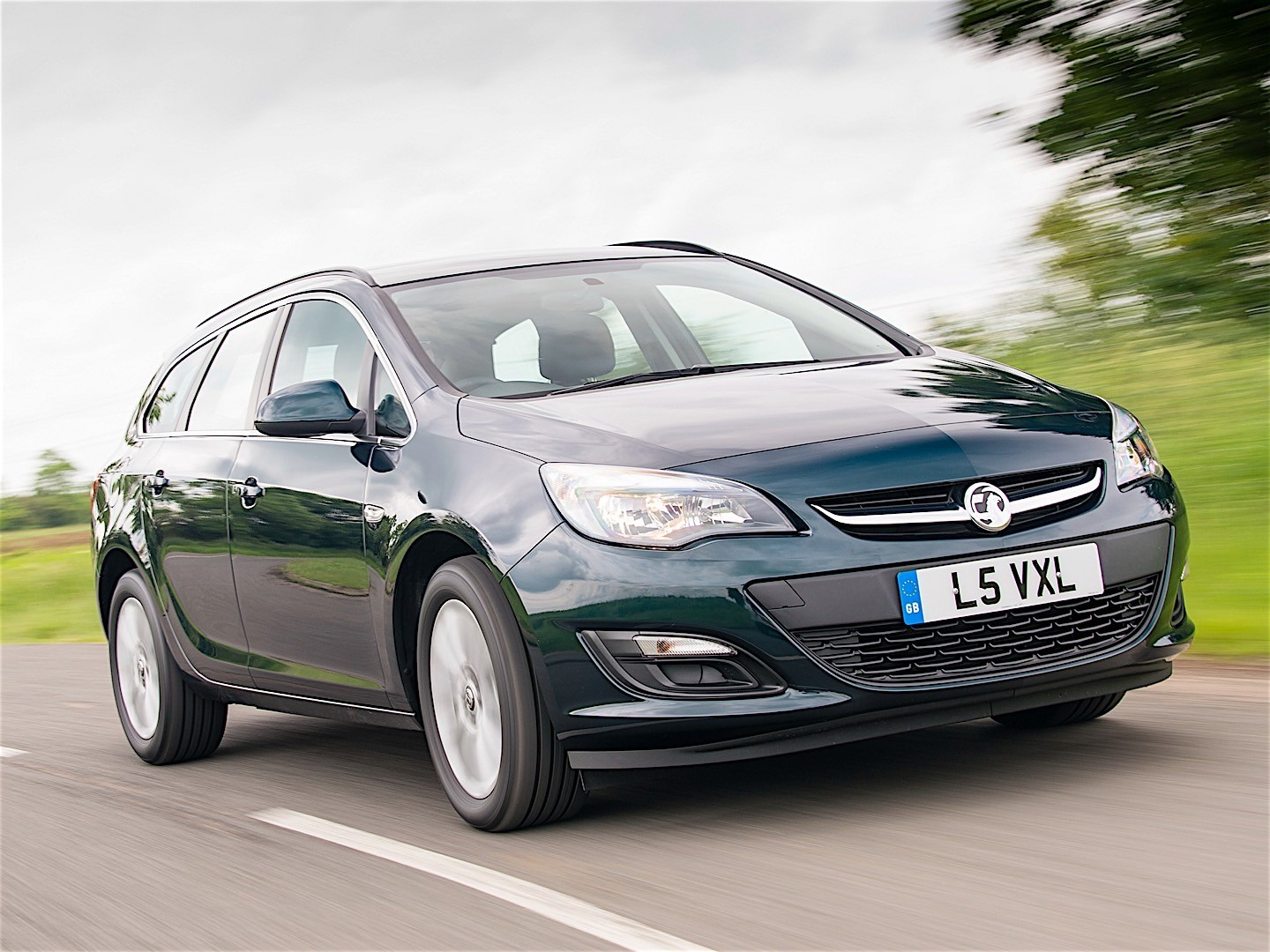 Vauxhall Astra Sports Tourer Vauxhall Astra Sports Tourer Specs 2012 2013 2014