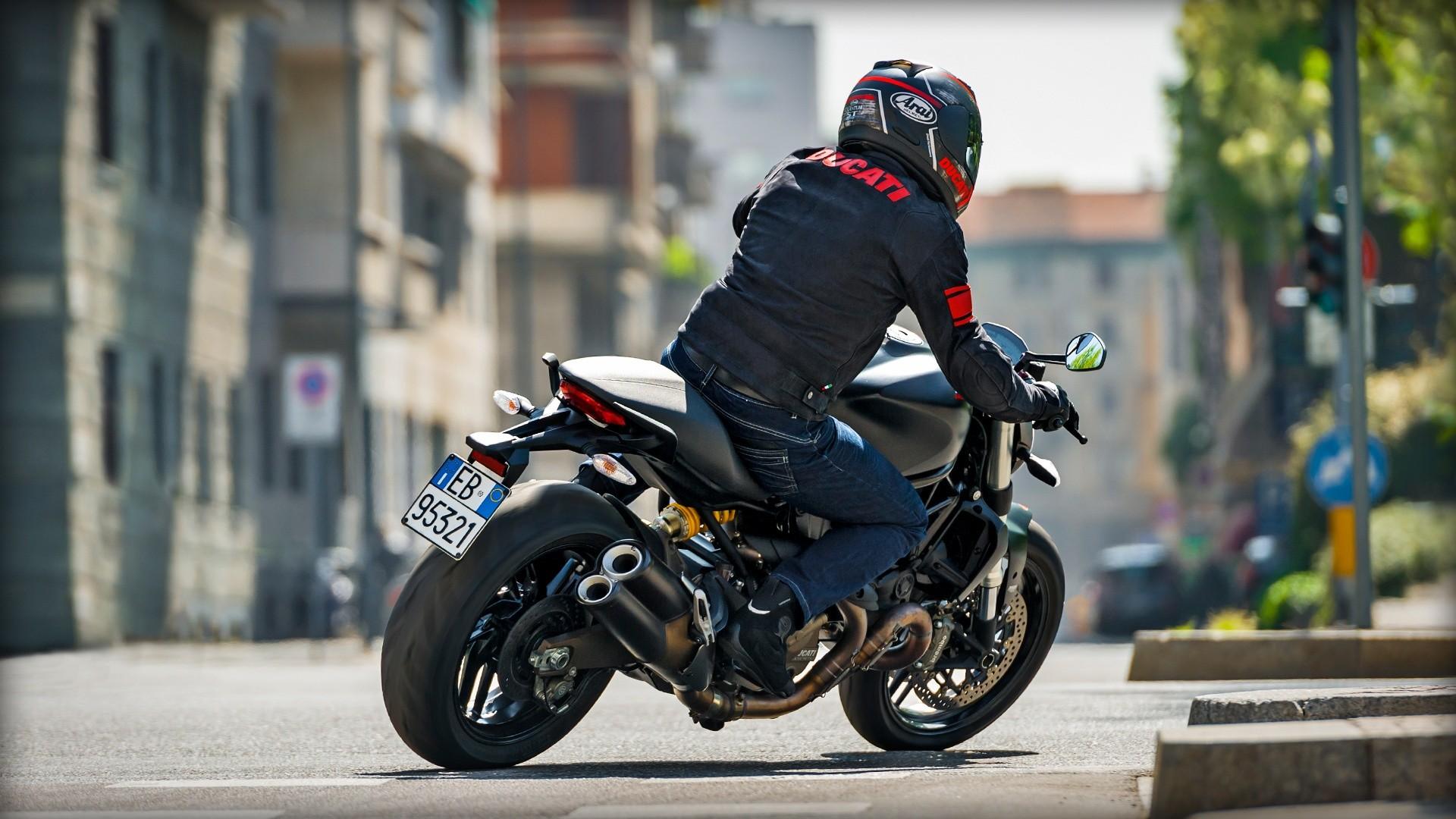 Green Sports Car Wallpaper Ducati Monster 821 Dark Specs 2014 2015 Autoevolution