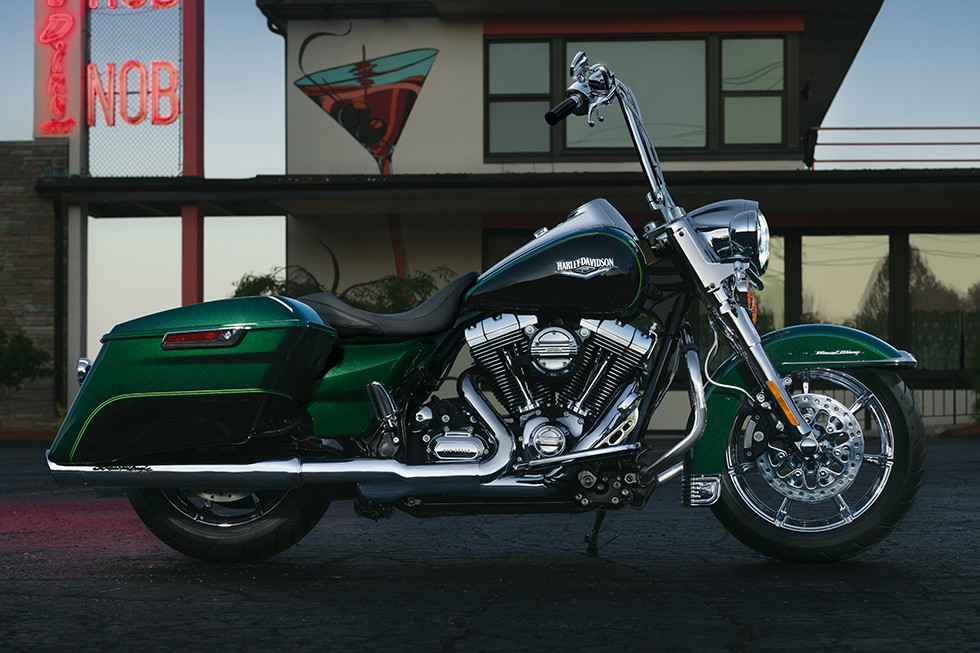 HARLEY DAVIDSON Road King 8374_2?quality=80&strip=all 2015 harley touring manual auto electrical wiring diagram