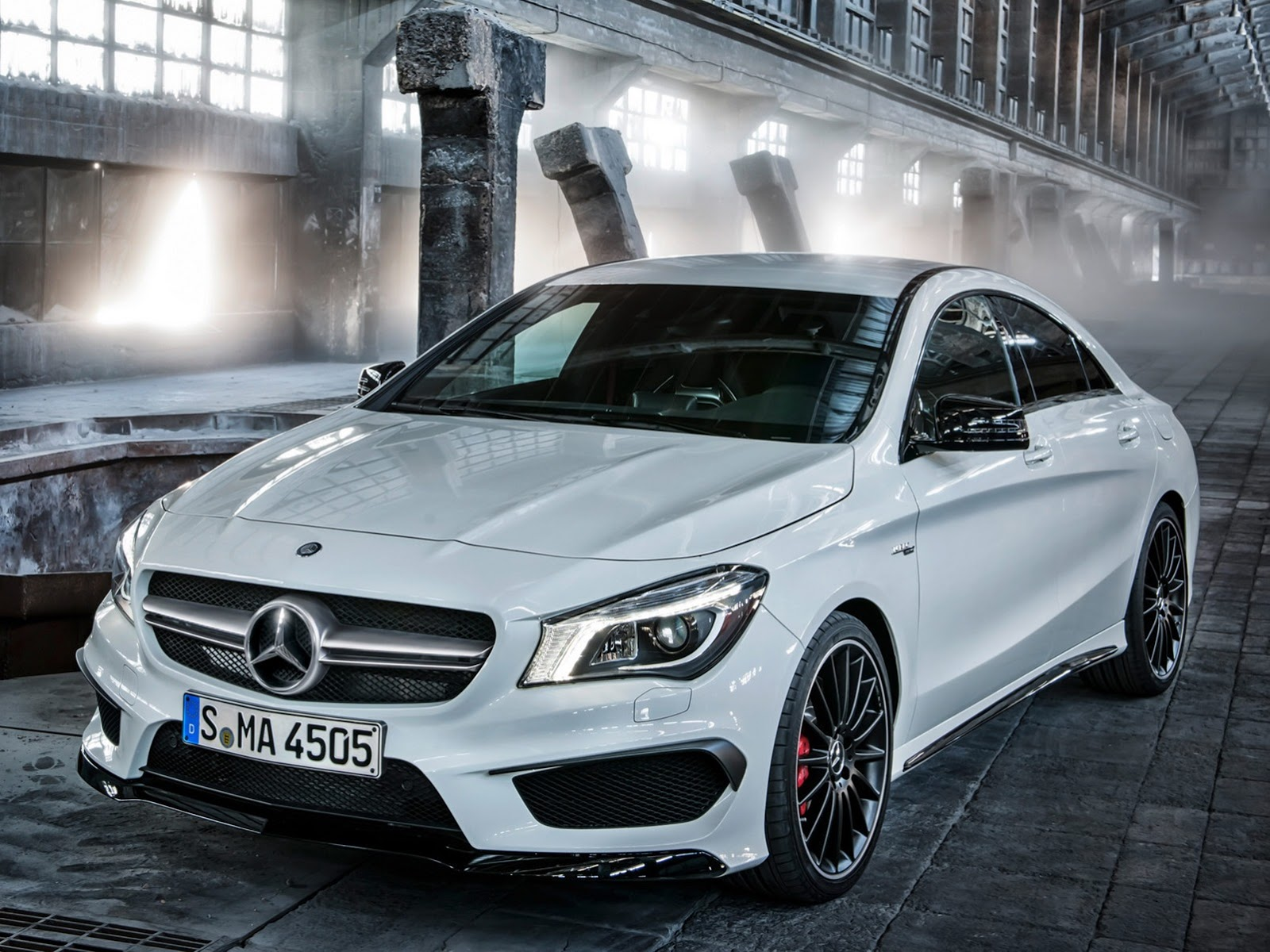 Mercedes Cla45 Amg 2014 Mercedes Cla 45 Amg First Photos Leaked Autoevolution