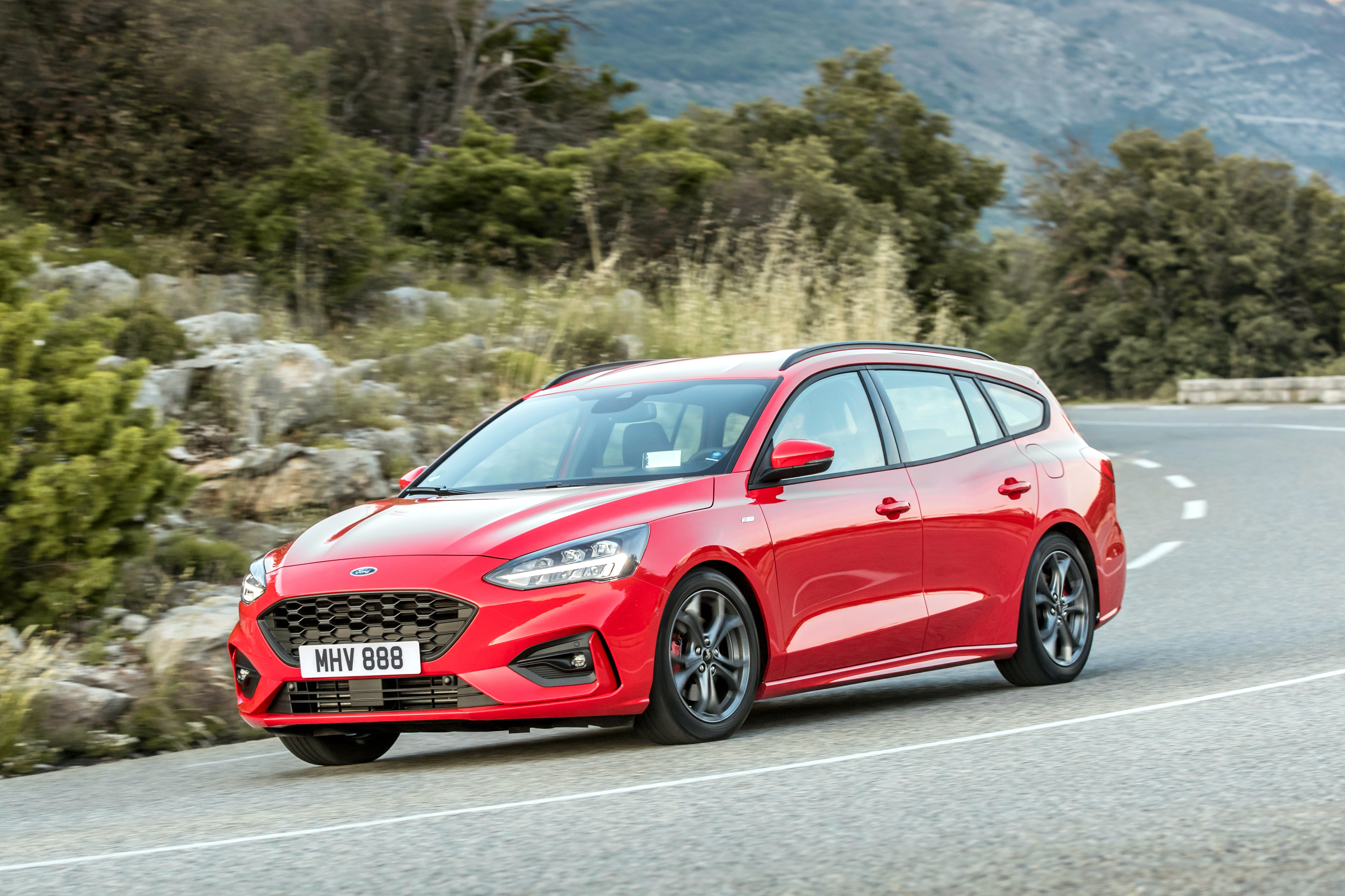 Ford Focus St Line 2019 Ford Focus Wagon St Line And Vignale Look Good In Red