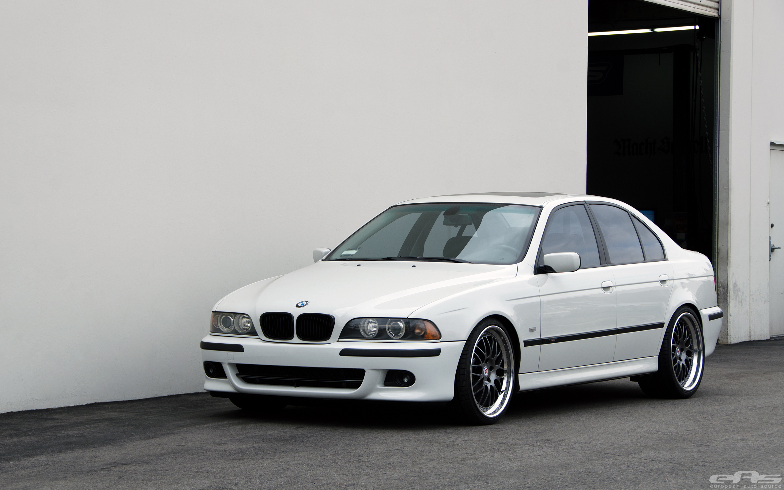 Matte Black Wallpaper Bmw E39 530i Gets Lower At Eas Still Looks Good