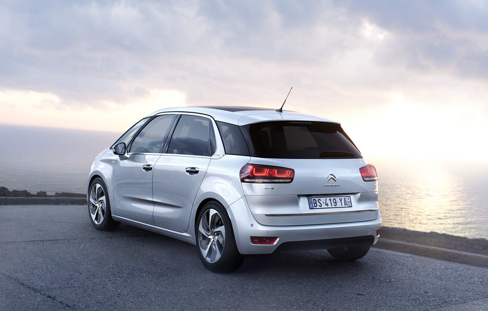 Citroen C4 2013 2013 Citroen C4 Picasso Officially Revealed Video