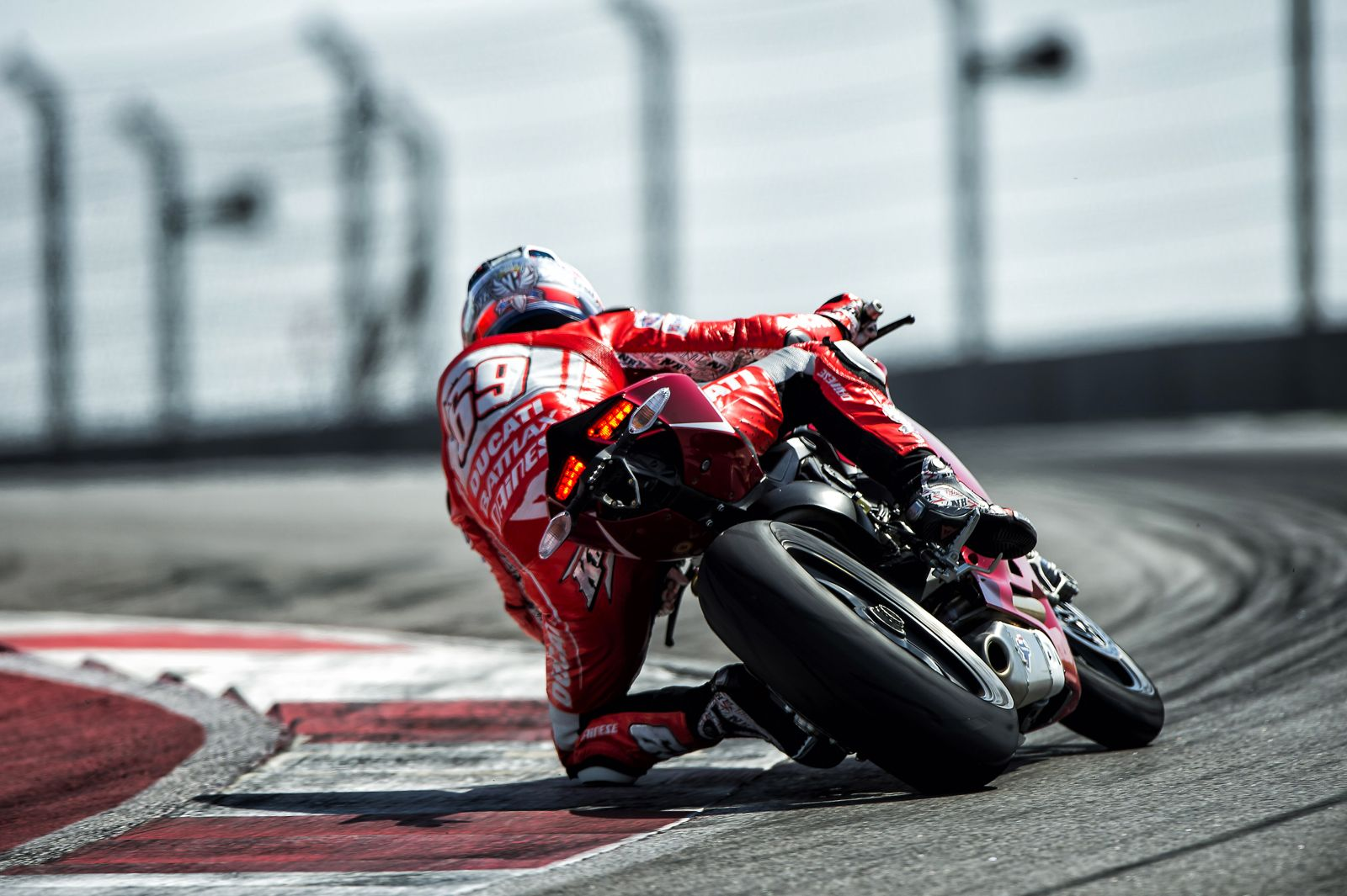 Superbike Girl Wallpaper 2013 Ducati 1199 Panigale R Official Pictures Autoevolution
