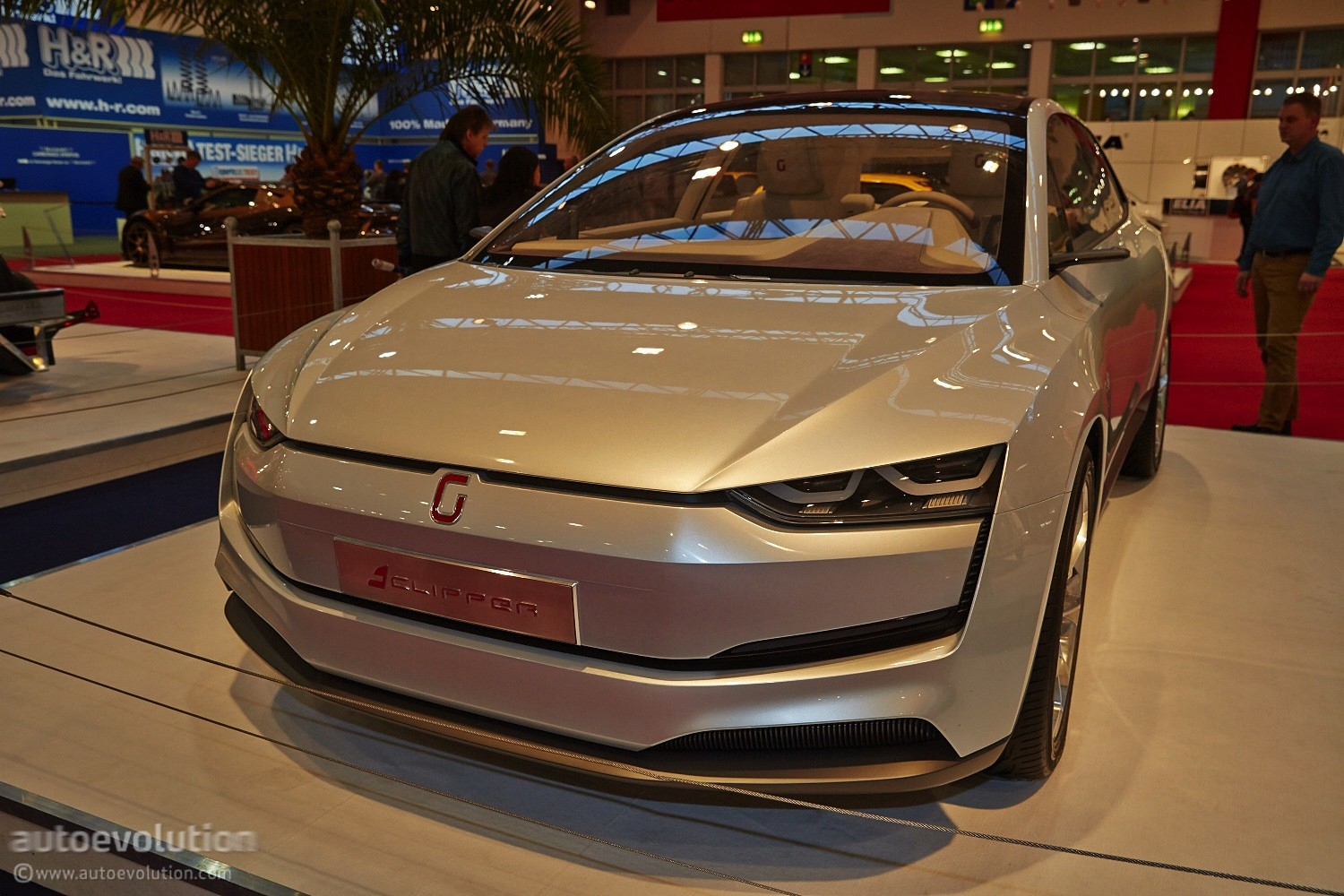 Design Automobile Essen 2014 Italdesign Giugiaro Clipper Concept Tows A Ducati