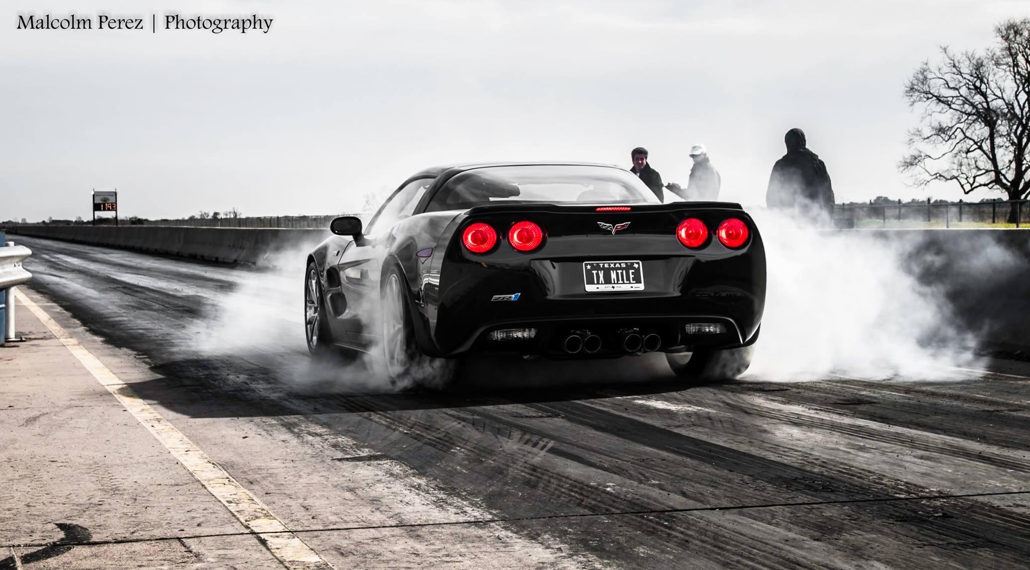 Car Burnout Live Wallpaper 2015 Corvette Z06 Races Challenger Hellcat Viper And