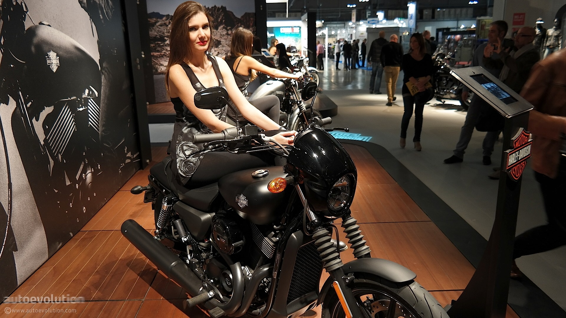 Street Bike Girl Wallpapers 2015 Harley Davidson Street 750 Is A Bit Rough Around The