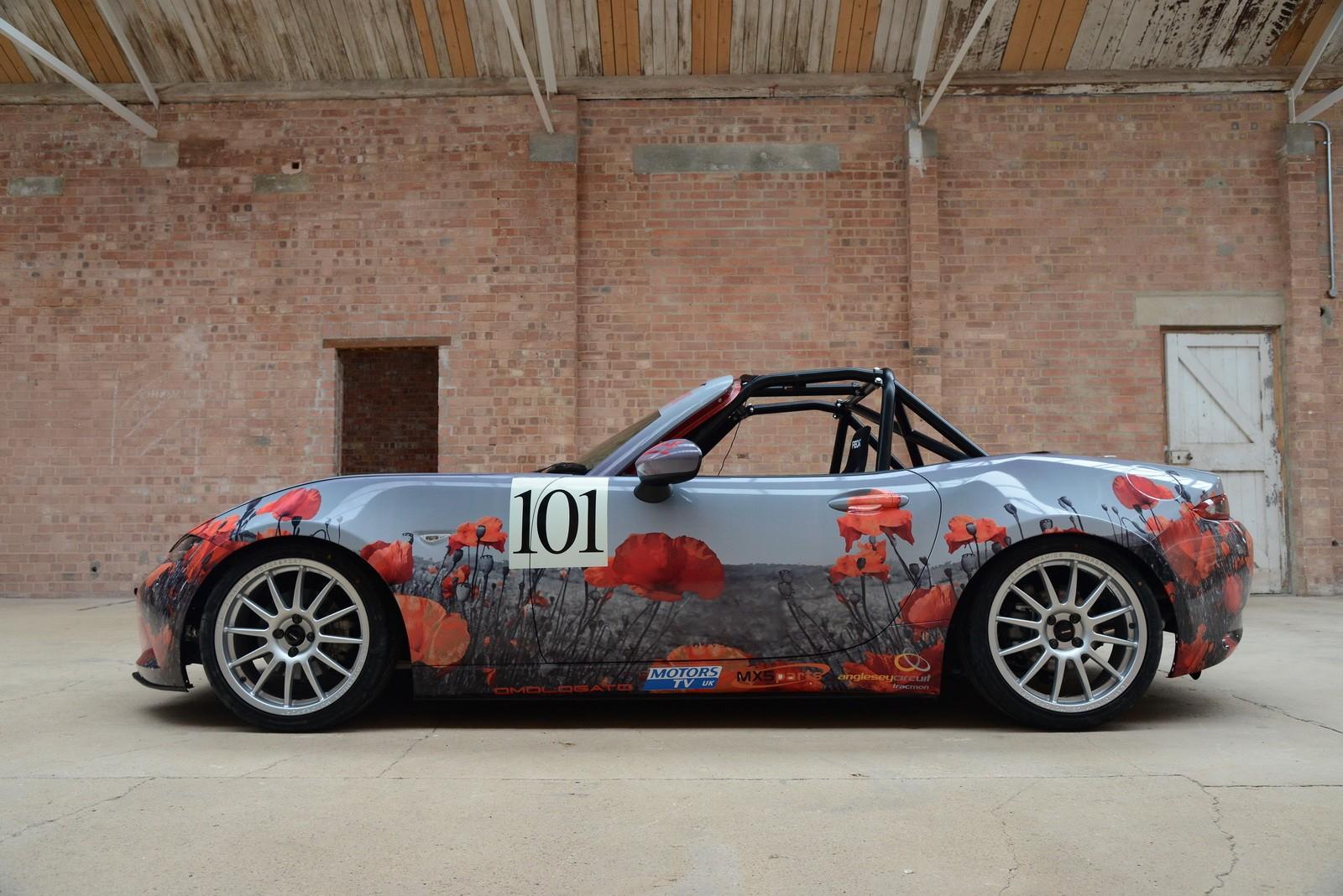 2016 mazda mx 5 miata with poppy art car livery
