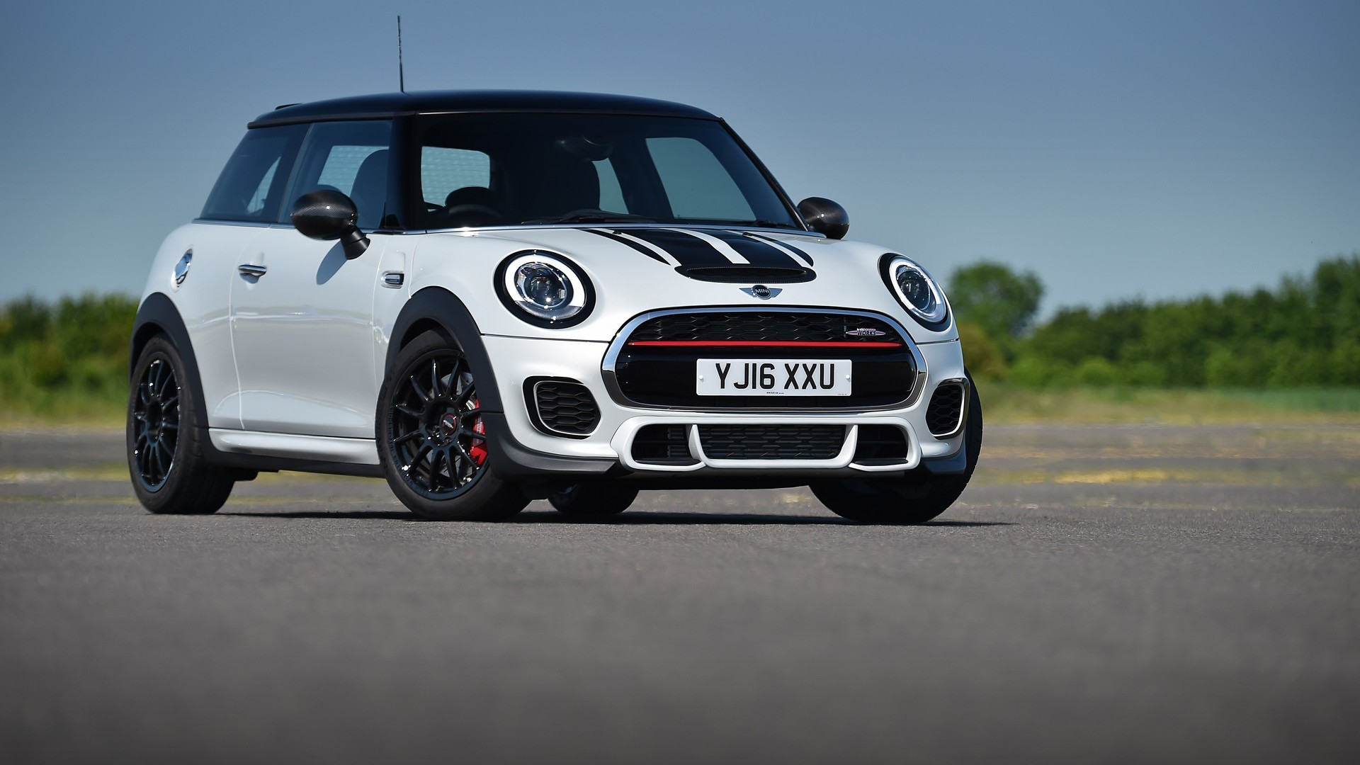 Mini Vs Gti 2016 Mini Jcw Challenge Is Not Your Typical Pocket Rocket