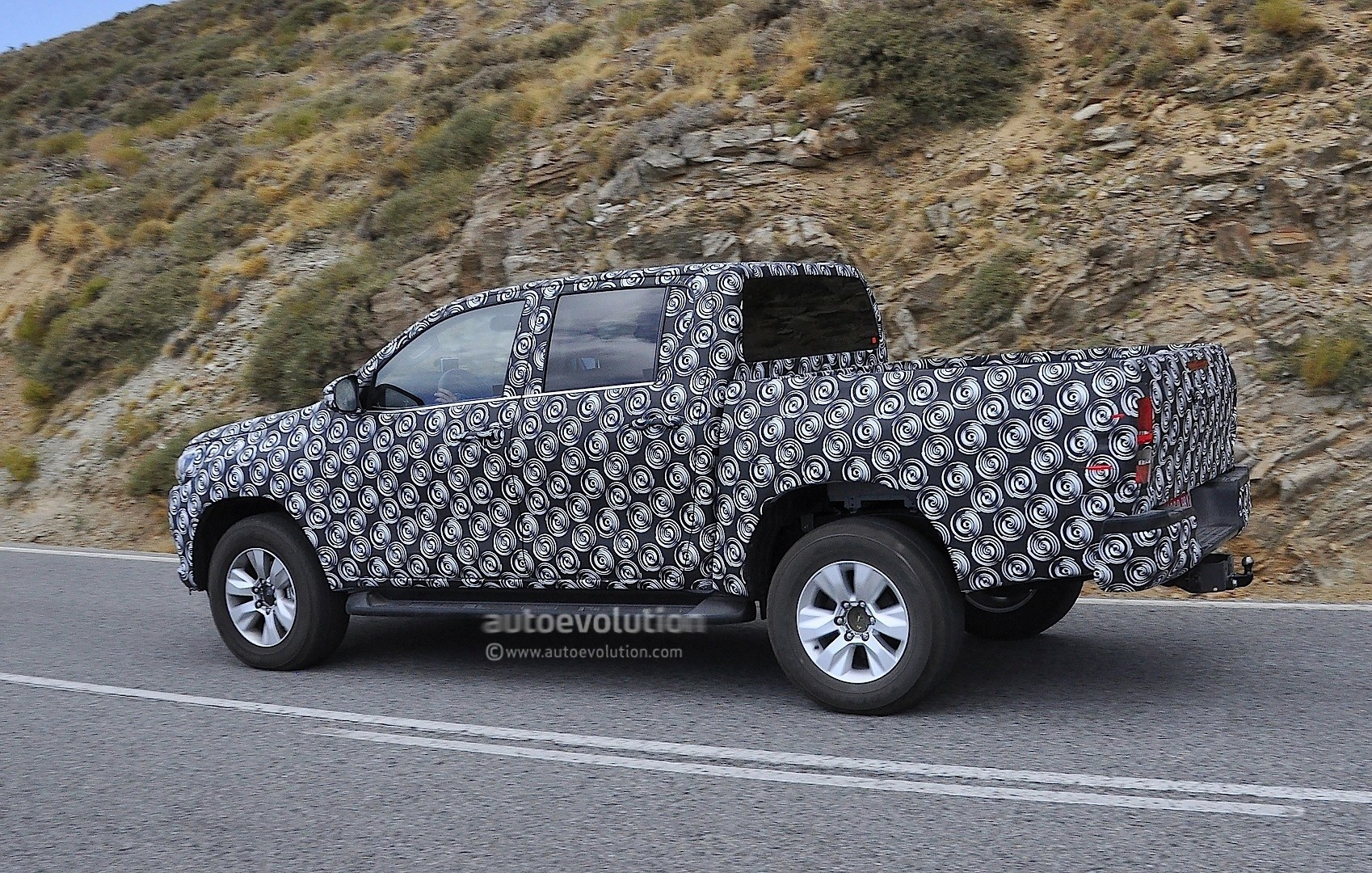 Black Camouflage Wallpaper 2016 Toyota Hilux Pickup Truck Spied Completely