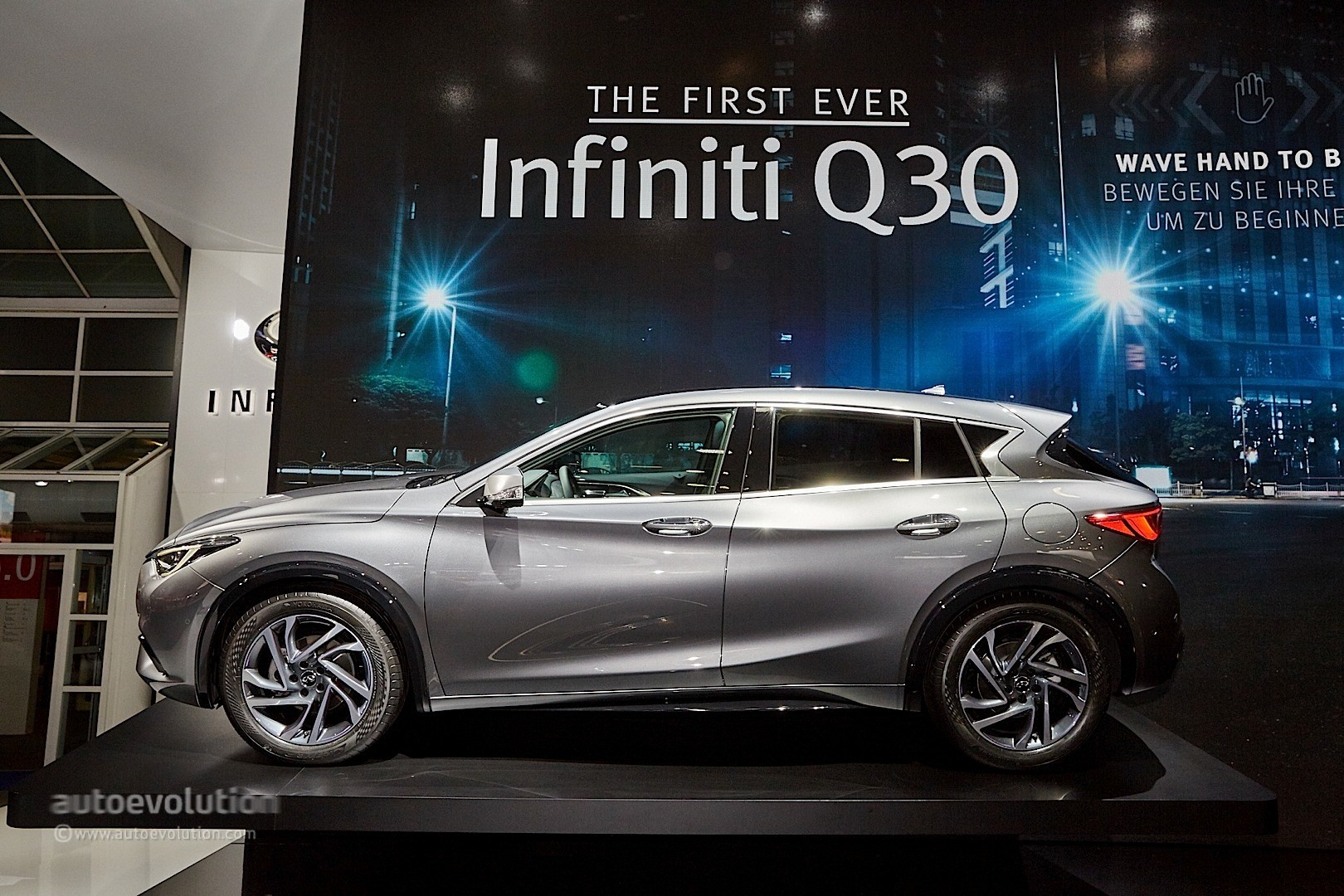 Car Jack 2017 Infiniti Q30 Feels Organic, Rides High In Frankfurt