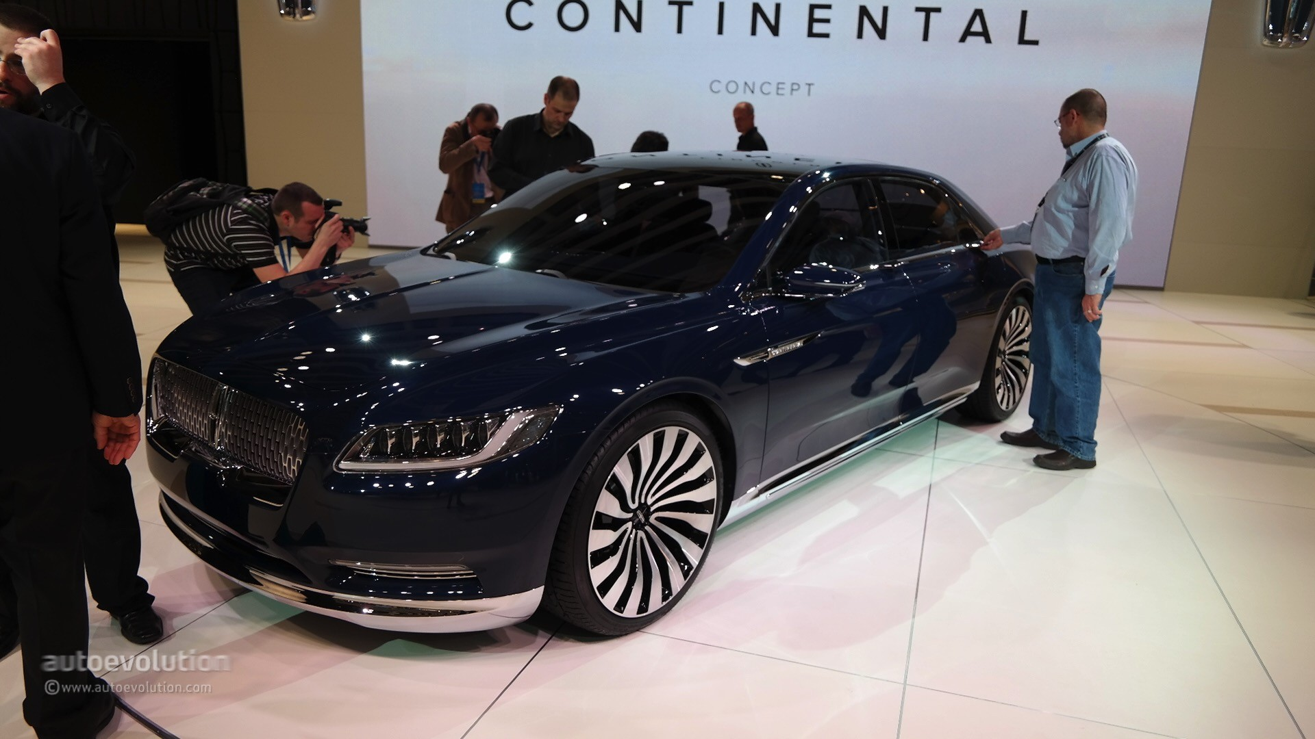 Lincoln Town Car 2015 Wallpapers 2017 Lincoln Continental To Replace 2016 Lincoln Mks In
