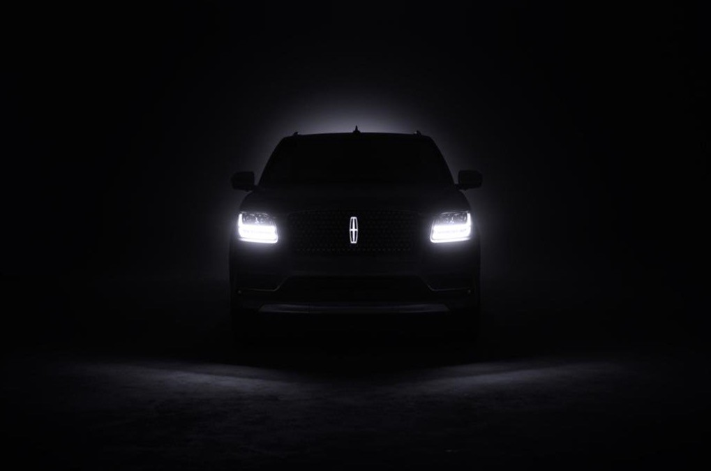 Stylish Car Wallpaper 2018 Lincoln Navigator Teased Features Illuminated Emblem