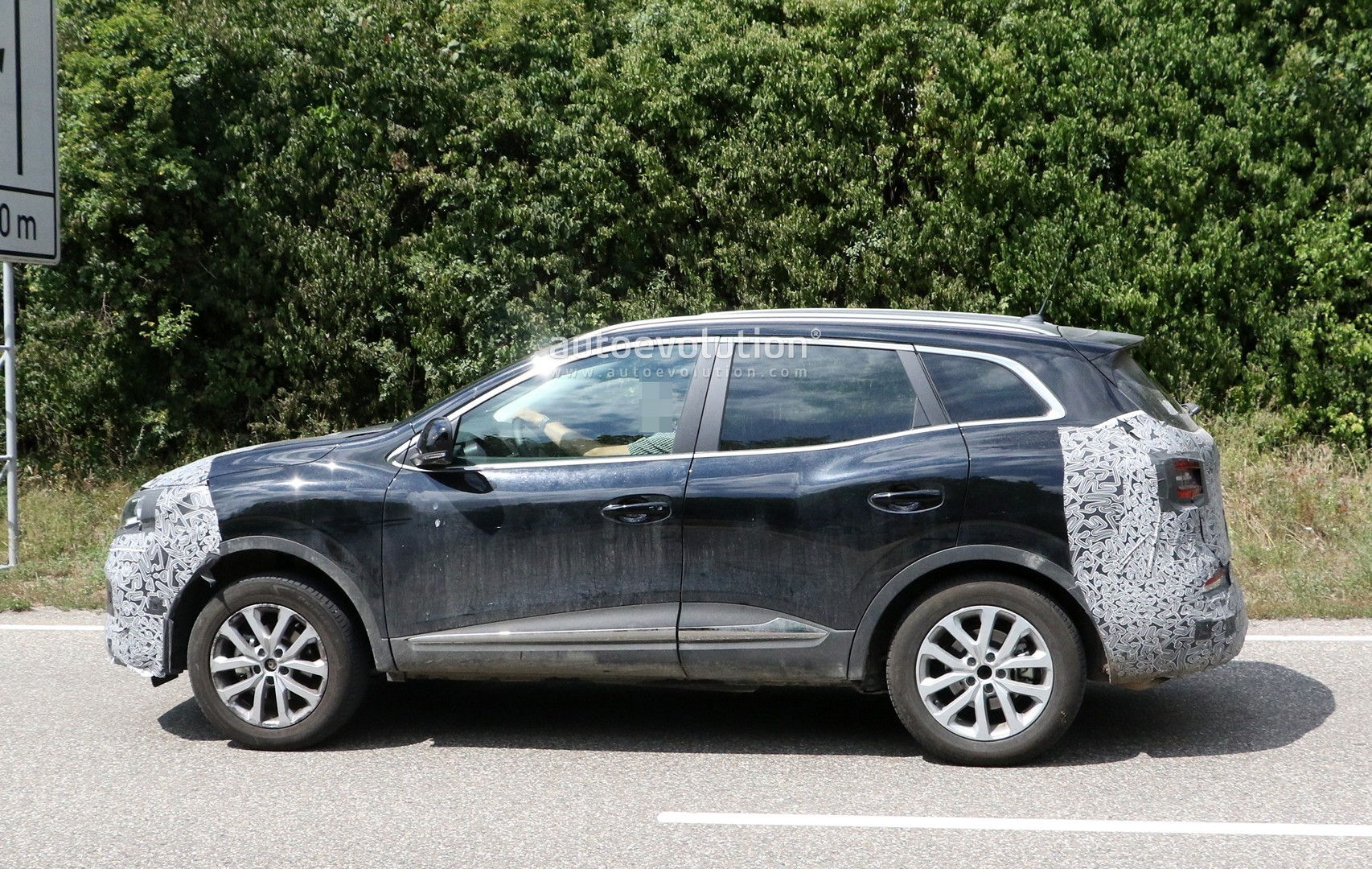 Renault Kadjar Interieur 2019 Renault Kadjar Shows Updated Interior In Latest
