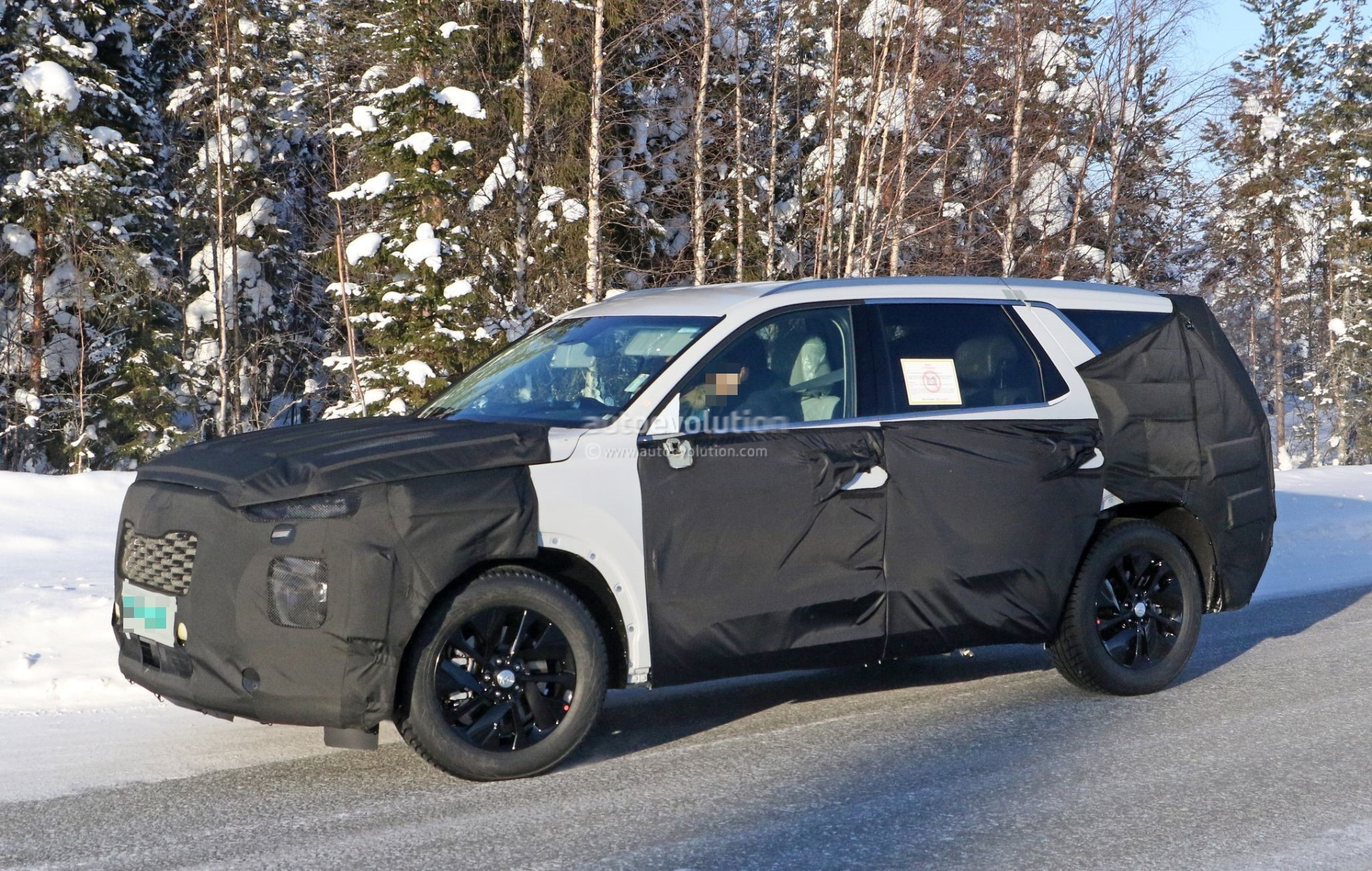 2020 hyundai eight seat large suv spied benchmarking against volvo xc90