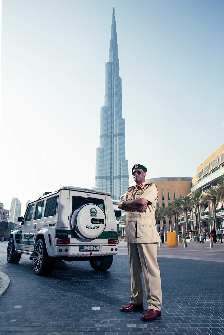 Most Expensive Car Hd Wallpaper 700 Hp Brabus Mercedes G63 Amg Becomes Dubai Police Car