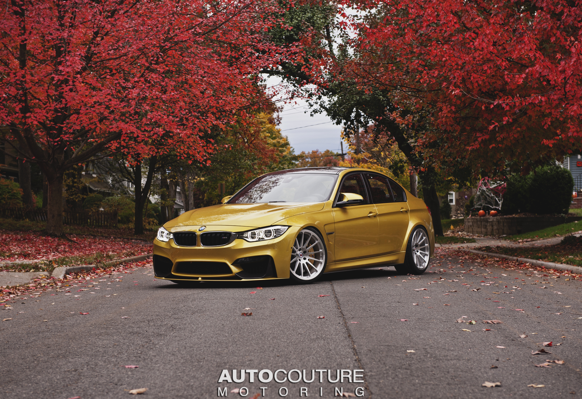 3d Classic Wallpaper Bmw F80 M3 Shows Its Autumn Colors On Hre Classic Wheels