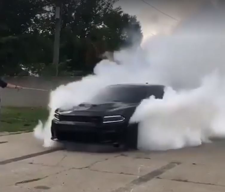 Car Stunt Wallpaper Dodge Charger Hellcat Doing A Fake Awd Burnout Is Murrican