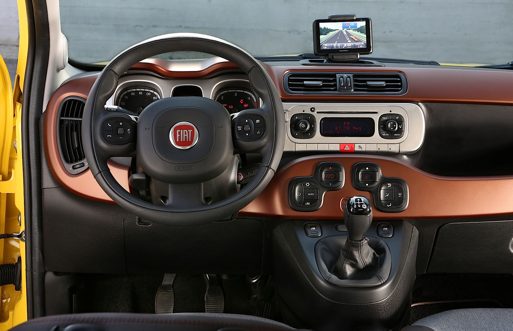 Panda Interieur Fiat Panda Cross Goes On Sale From September Video