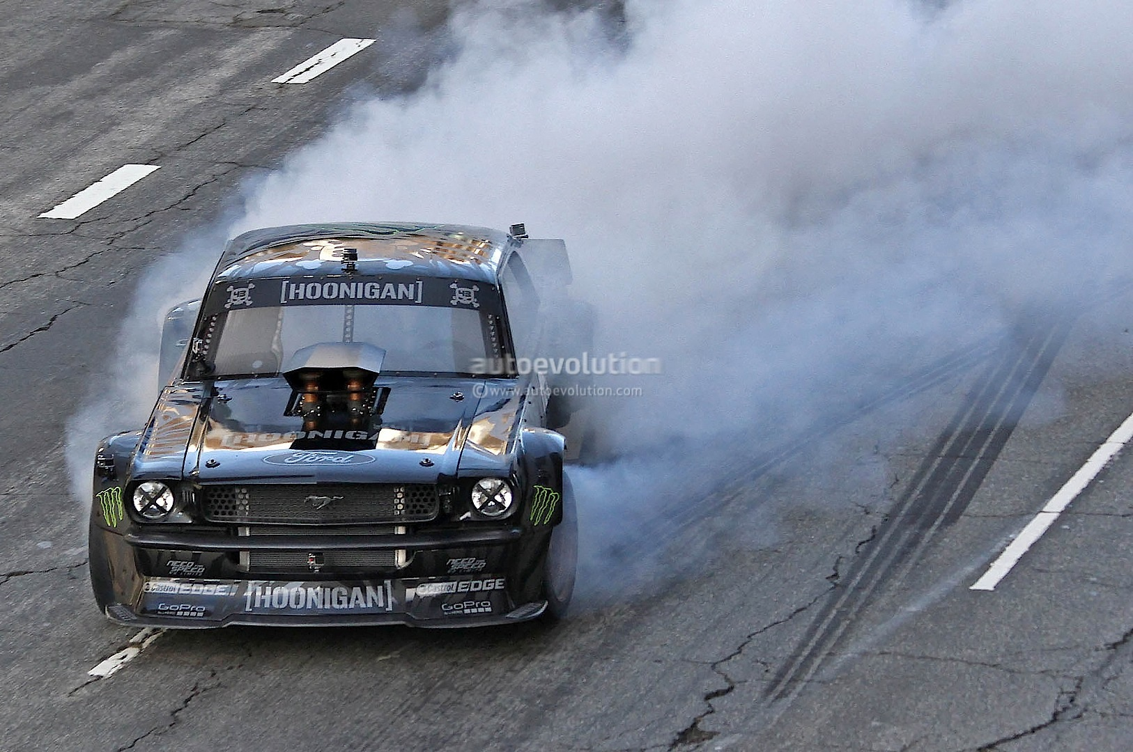 Gymkhana 7 Car Wallpaper Gymkhana 7 Ken Block Drifting Awd Mustang In La