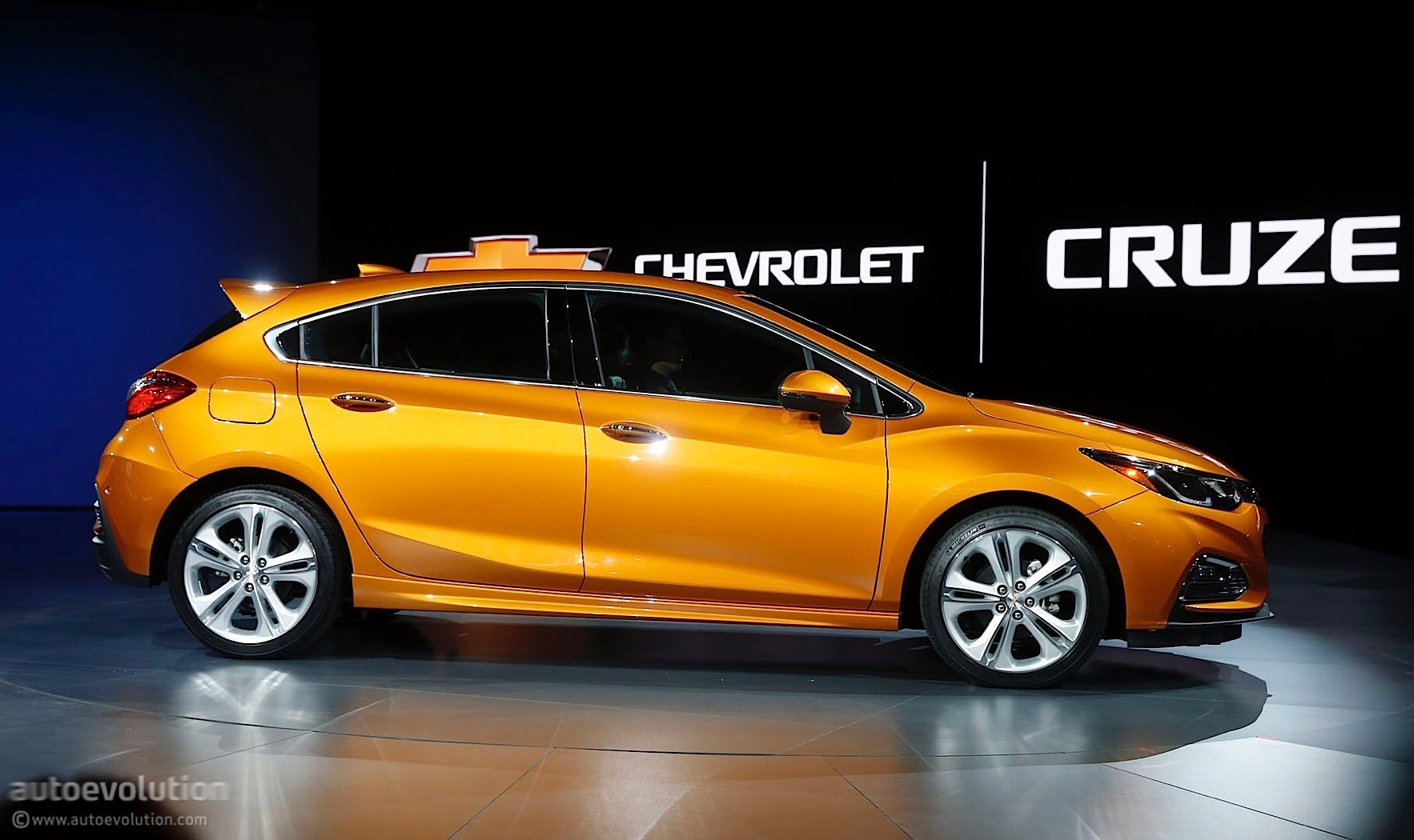 Fall Be Kind Wallpaper Here S The 2017 Chevrolet Cruze Hatch In Full Color