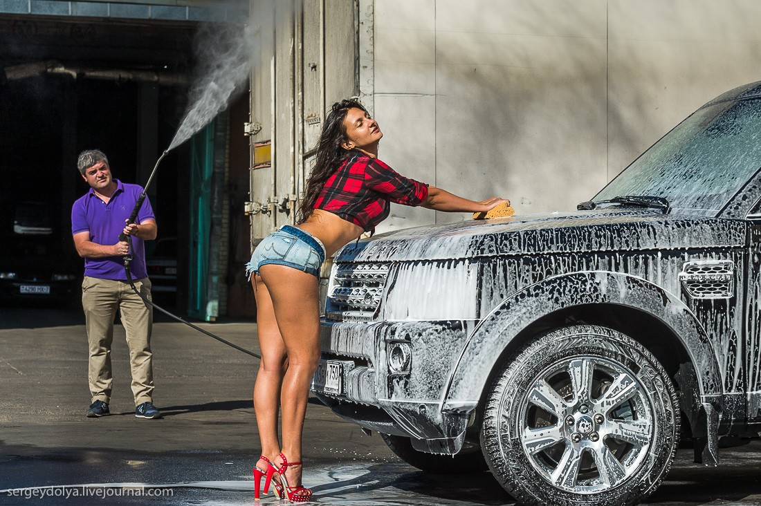 Range Rover Car Wallpaper How To Wash A Land Rover Using A Fit Russian Brunette