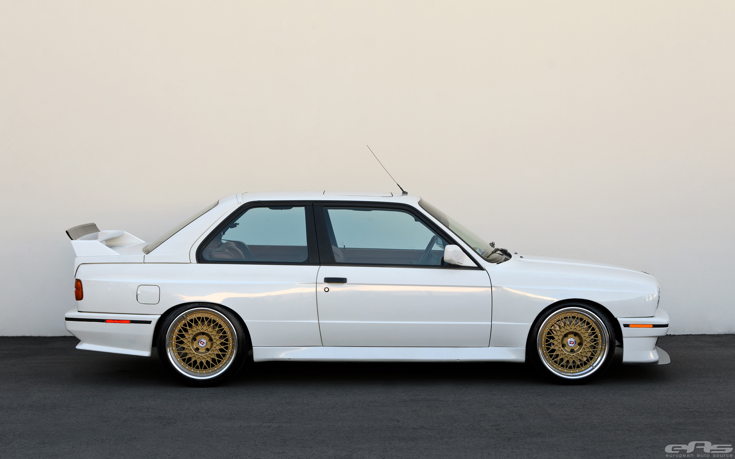Elon Musk Car In Spac Wallpaper Jaw Dropping E30 M3 Will Turn You Into An Old School Bmw
