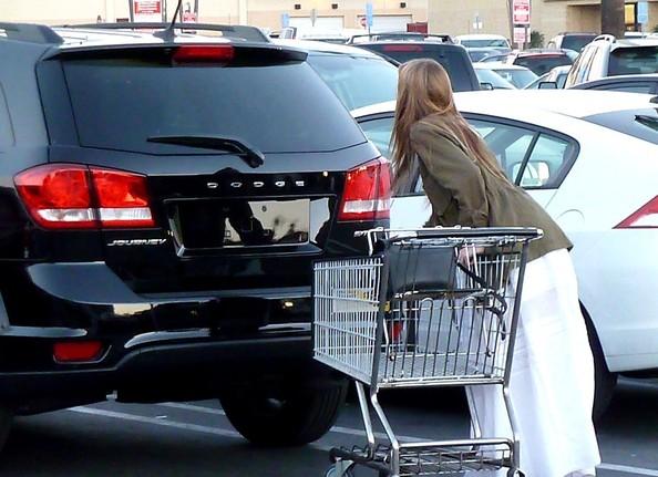 Range Rover Car Wallpaper Johnny Depp S Fiancee Amber Heard Drives A Dodge Journey