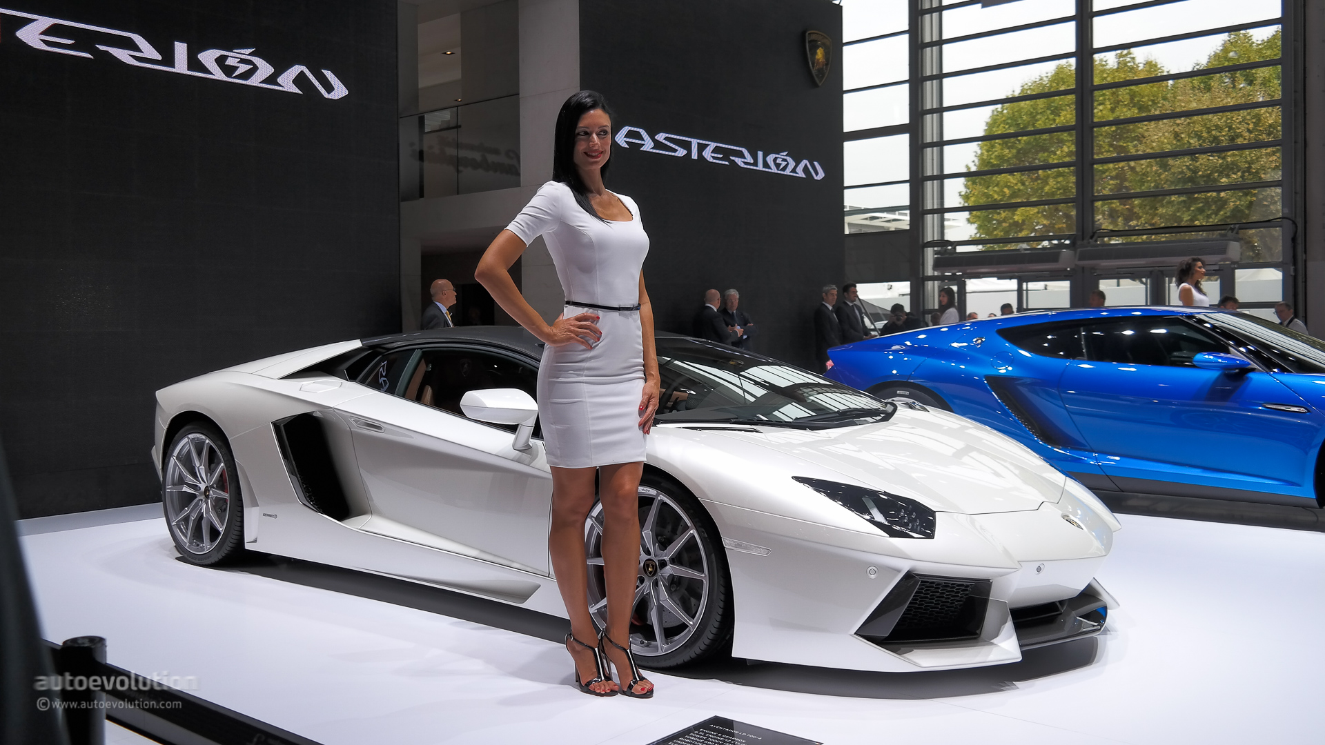 Perfect Girl Evolution Wallpaper Lamborghini Asterion Silences Paris But Will They Build