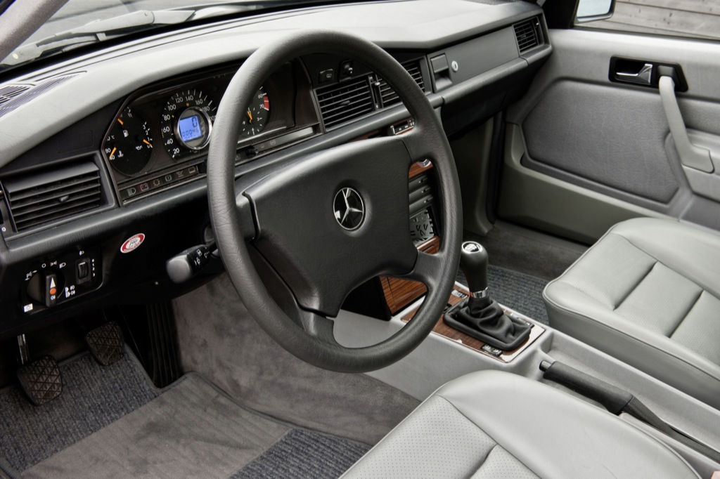 Mercedes C Interieur Mercedes 190 D Blueefficiency, Baby-benz With A Bang