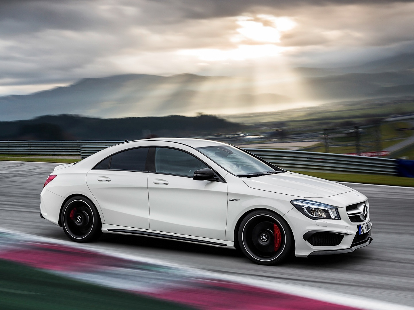Mercedes Cla45 Amg Mercedes Benz Cla 45 Amg Gets Epa Rated Autoevolution