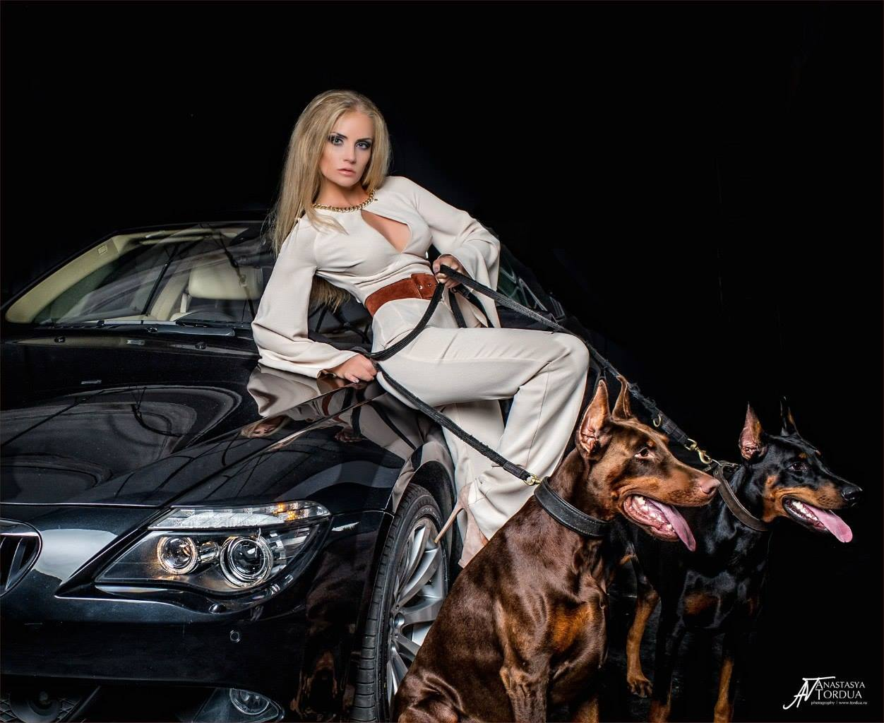 Bmw S1000rr Girl Wallpaper Model Anna Trisvetova Makes Old Bmw 6 Series Look Gangsta