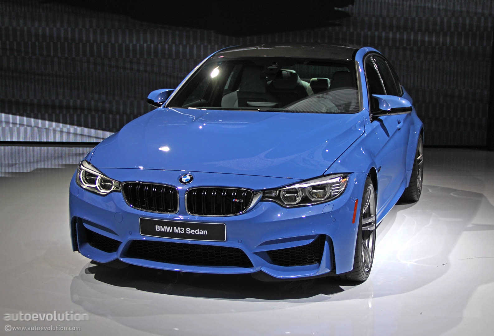 Cars 2 Live Wallpaper New Bmw M3 Is Blue All Over In Detroit Live Photos