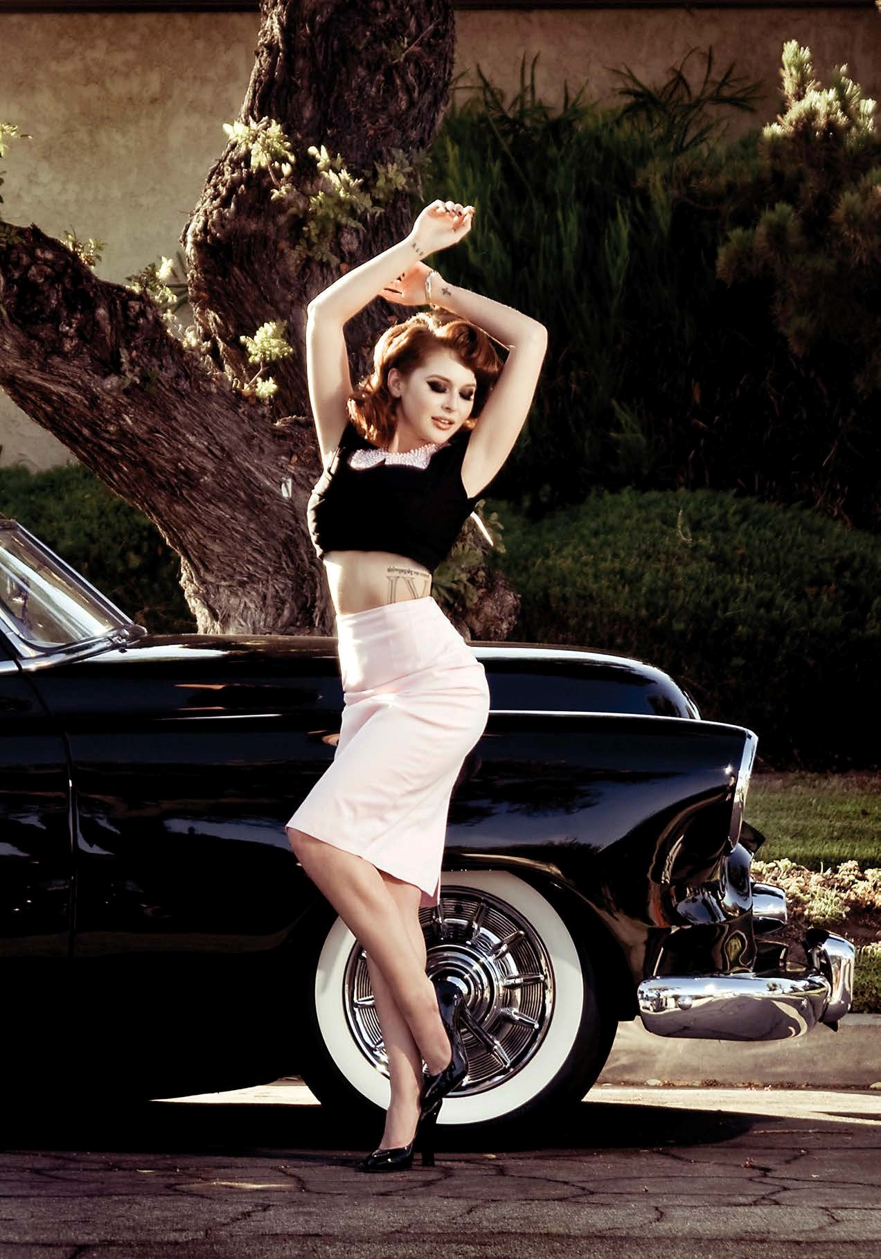 Corvette Girl Wallpaper Renee Olstead Is Gangsta Hot Next To A Chevy Deluxe