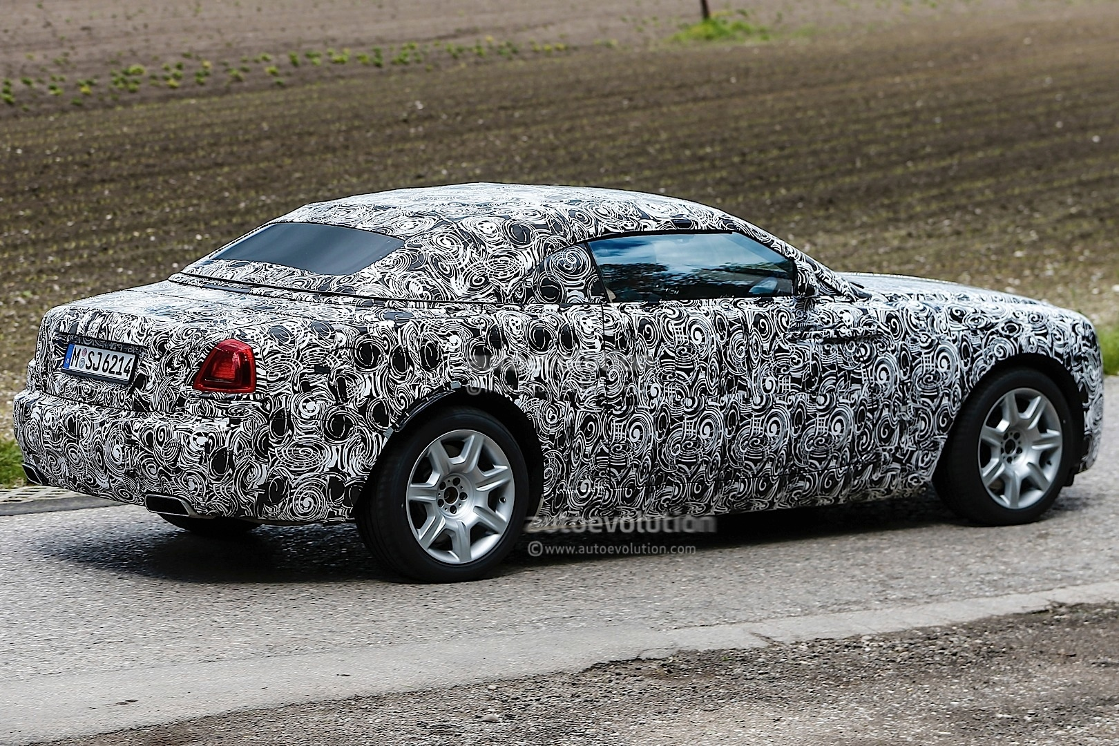 Coolest Car In The World Wallpaper Rolls Royce Spied Testing Wraith Drophead Coupe