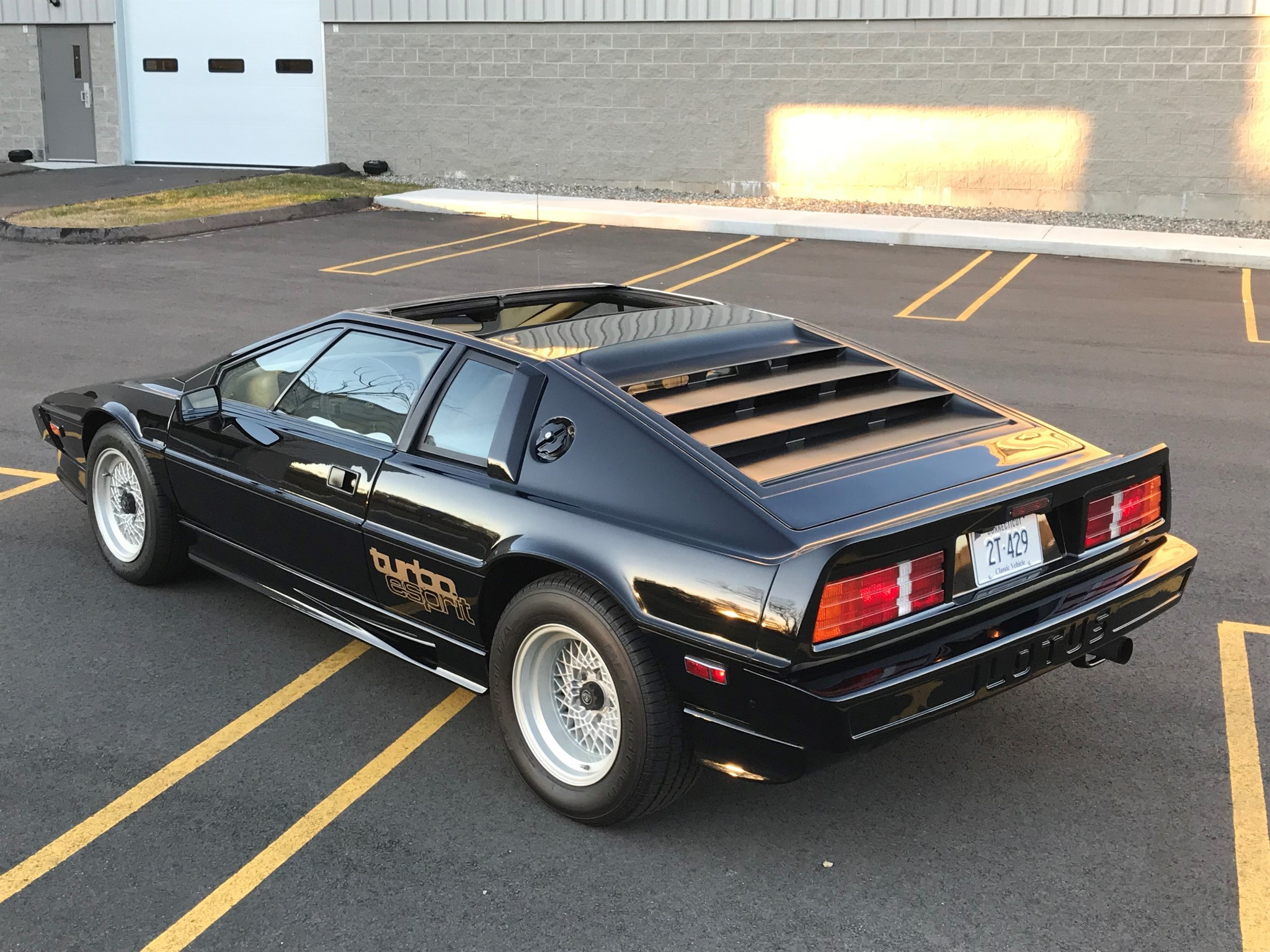 Esprit New This Lotus Esprit Hci Turbo Is Looking For A New Owner Autoevolution