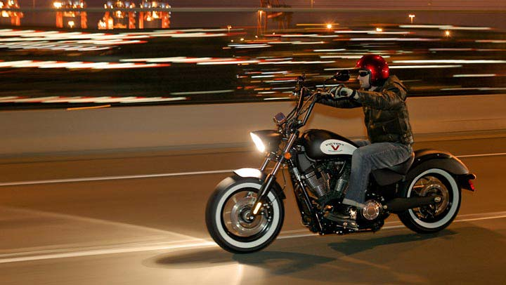 Muscle Car Photos Wallpaper Victory Motorcycles 2013 High Ball Bobber Autoevolution