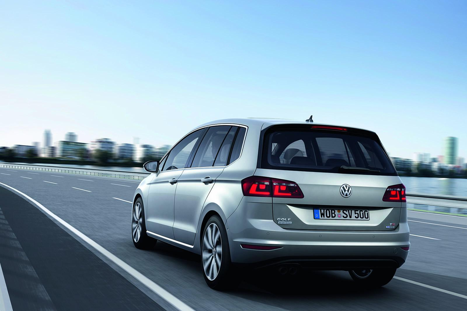 Volkswagen Golf Vw Golf Sportsvan Concept Unveiled Is Actually The Golf