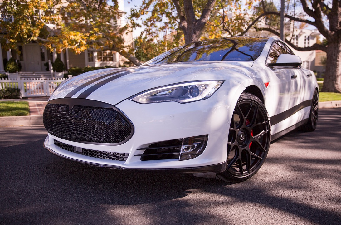 Car Wallpaper Package Here S What The First Customized White Tesla P85d Looks