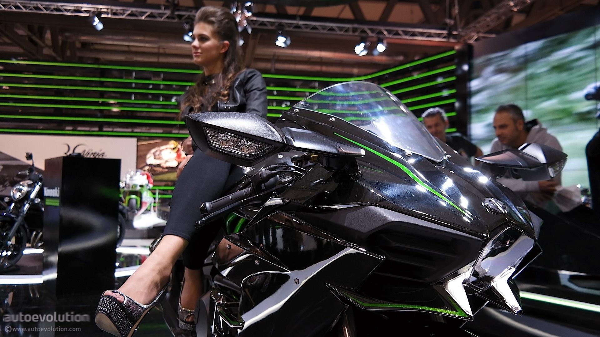 Monster Energy Girls Wallpaper Hd Kawasaki Ninja H2 Goes To India Price Doubles Autoevolution
